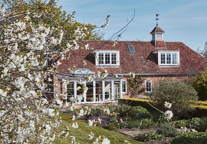 East Coast Locations - CTG016 Country Cottage & Gardens Filming & Photographic Location House in Kent