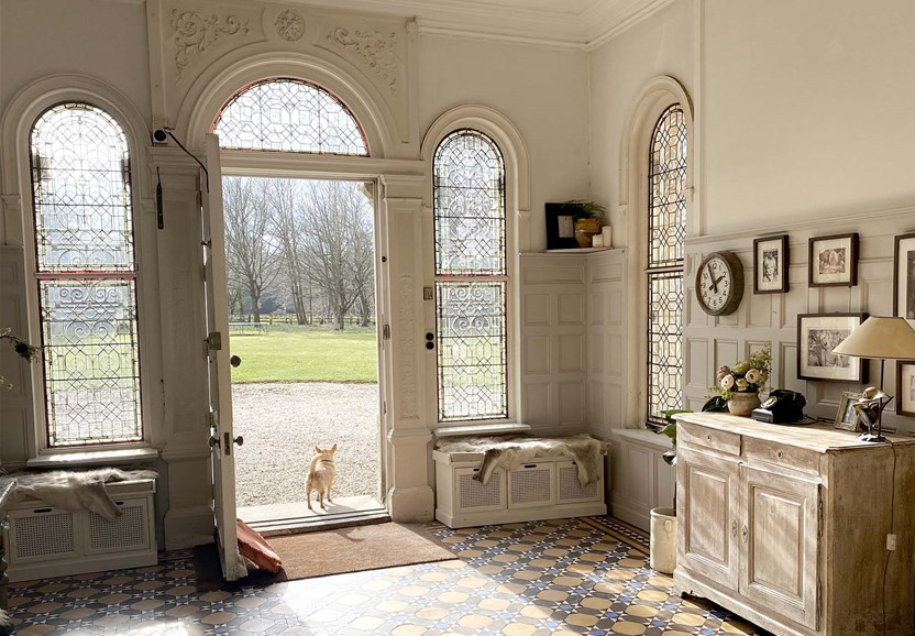 West Sussex Location House - Period Property - Shoot & Stay, Film and photographic location house